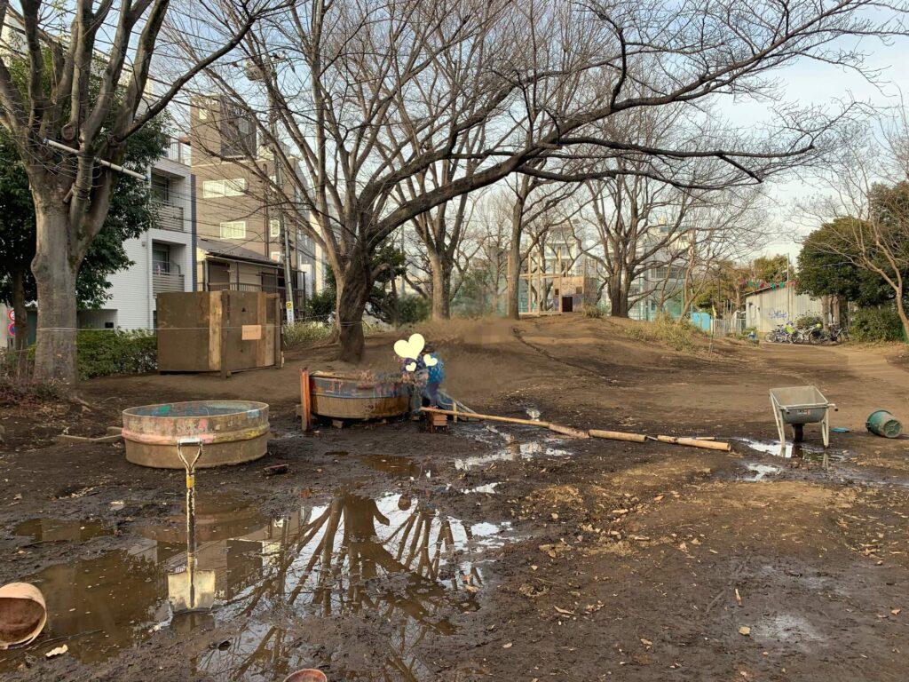泥んこ遊び 都内プレーパーク 渋谷はるのおがわプレーパーク